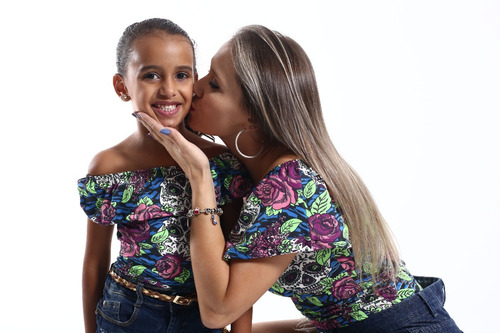 body tal mãe tal filha caveira com flores