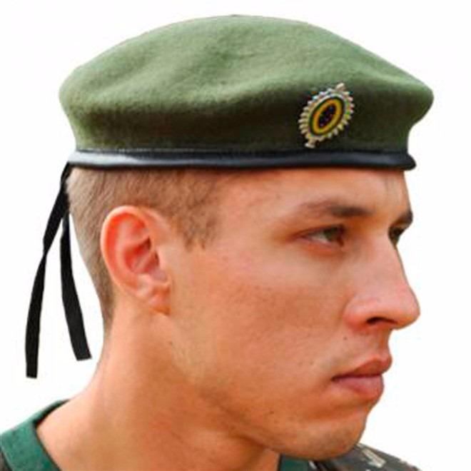 fe86d51c192ff Boina Francesa - Verde - Padrão Exército Brasileiro - 59 - R  136