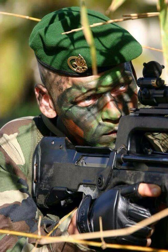 boina verde 1º er legião estrangeira francesa 1er régiment. Carregando zoom. 06984f8ccbe