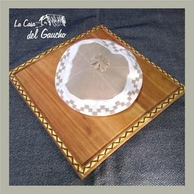 a040e056f7d2f Boinas Gauchas Con Guarda Pampa Tejidas Al Crochet - Accesorios de ...