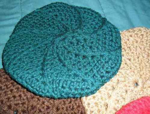 afe7dbfc23395 Boinas Tejidas A Crochet Pq3 Pz Unicas Gorros Frio -   380.00 en ...