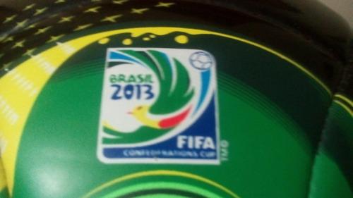 Bola adidas Cafusa Oficial Copa Confederações 2013 Brasil - R  310 ... e6881ab42877f