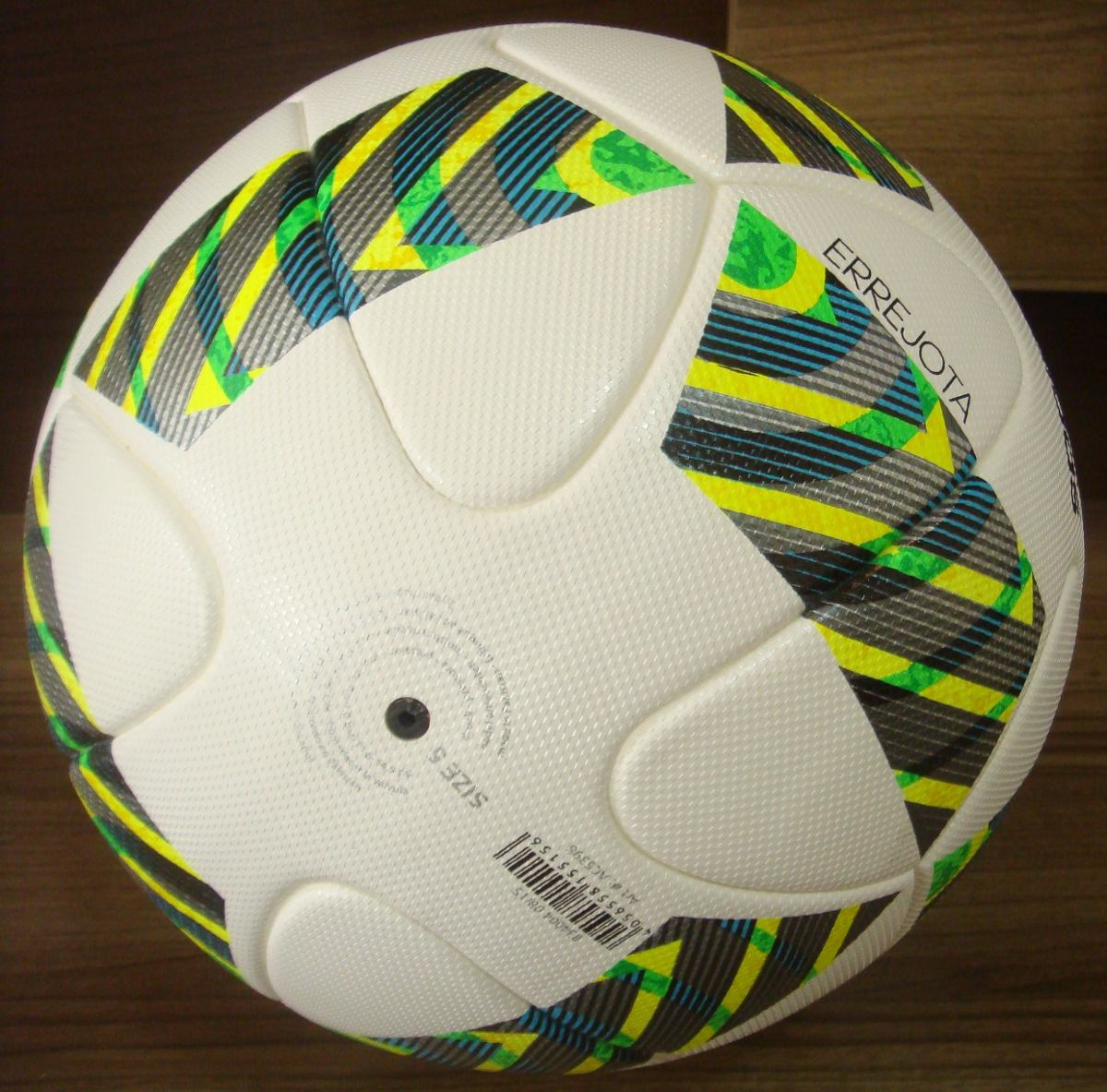 4acbbf441c bola adidas errejota o m b official match ball. Carregando zoom.