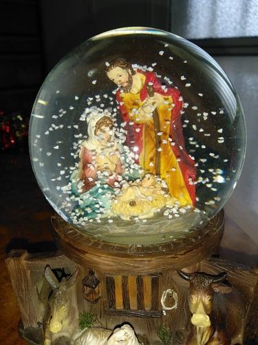 bola de agua. pesebre nacimiento navidad musical