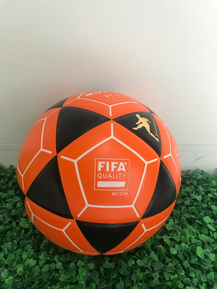 b423815171dfd bola de futevolei mikasa original ft5 - laranja e preto. Carregando zoom.