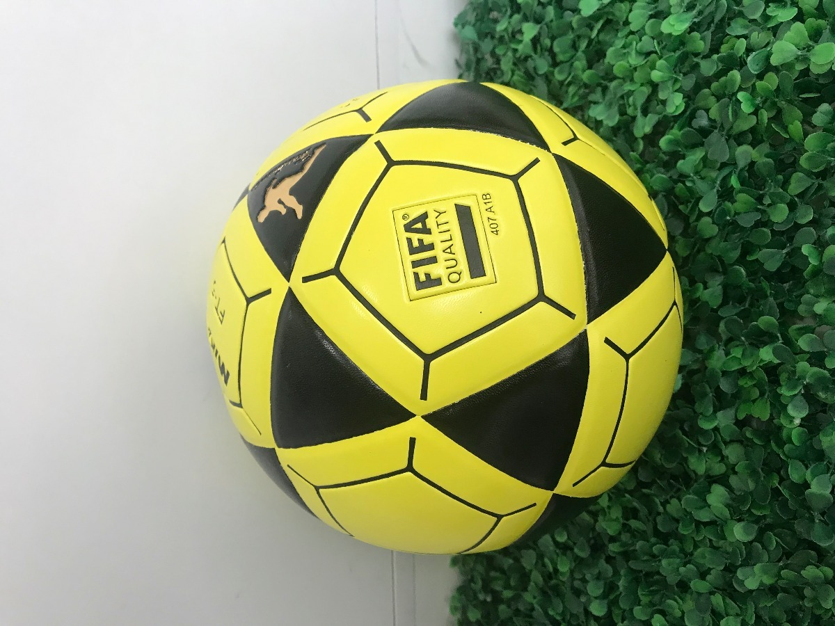 8f547e559 bola de futevolei mikasa original ft5 - preto e amarelo. Carregando zoom.