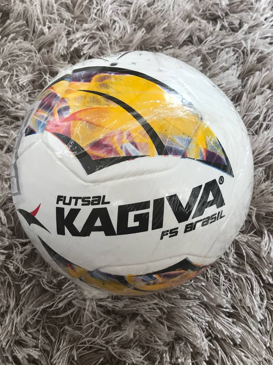 bola de futsal kagiva f5 brasil prò - modelo 2017. Carregando zoom. 509844236aecb