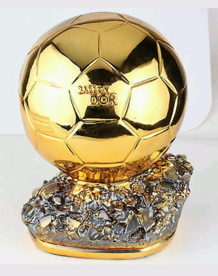 fe78af5db0627 Bola De Ouro - Melhor Do Mundo - Réplica - R  950