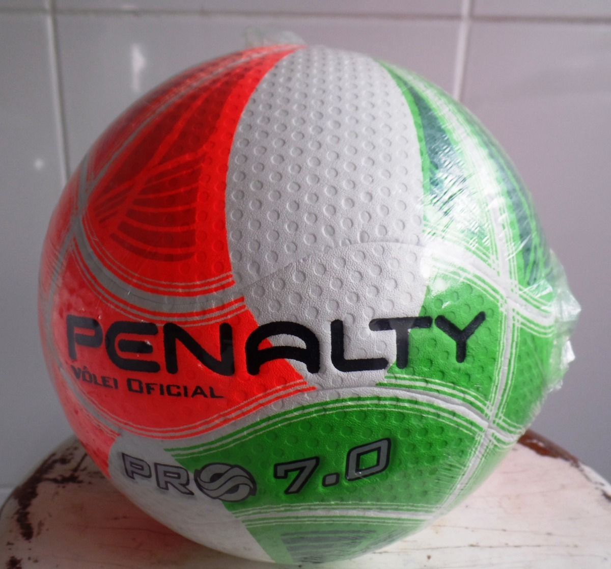 bola de vôlei penalty pro 7.0 oficial - nova - brinde bomba. Carregando zoom . 18d4693130611