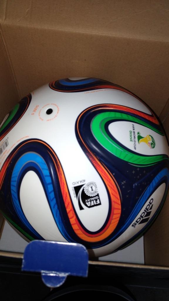 Bola De Futebol adidas Brazuca - Termossoldada - R  190 7639d8718c76f