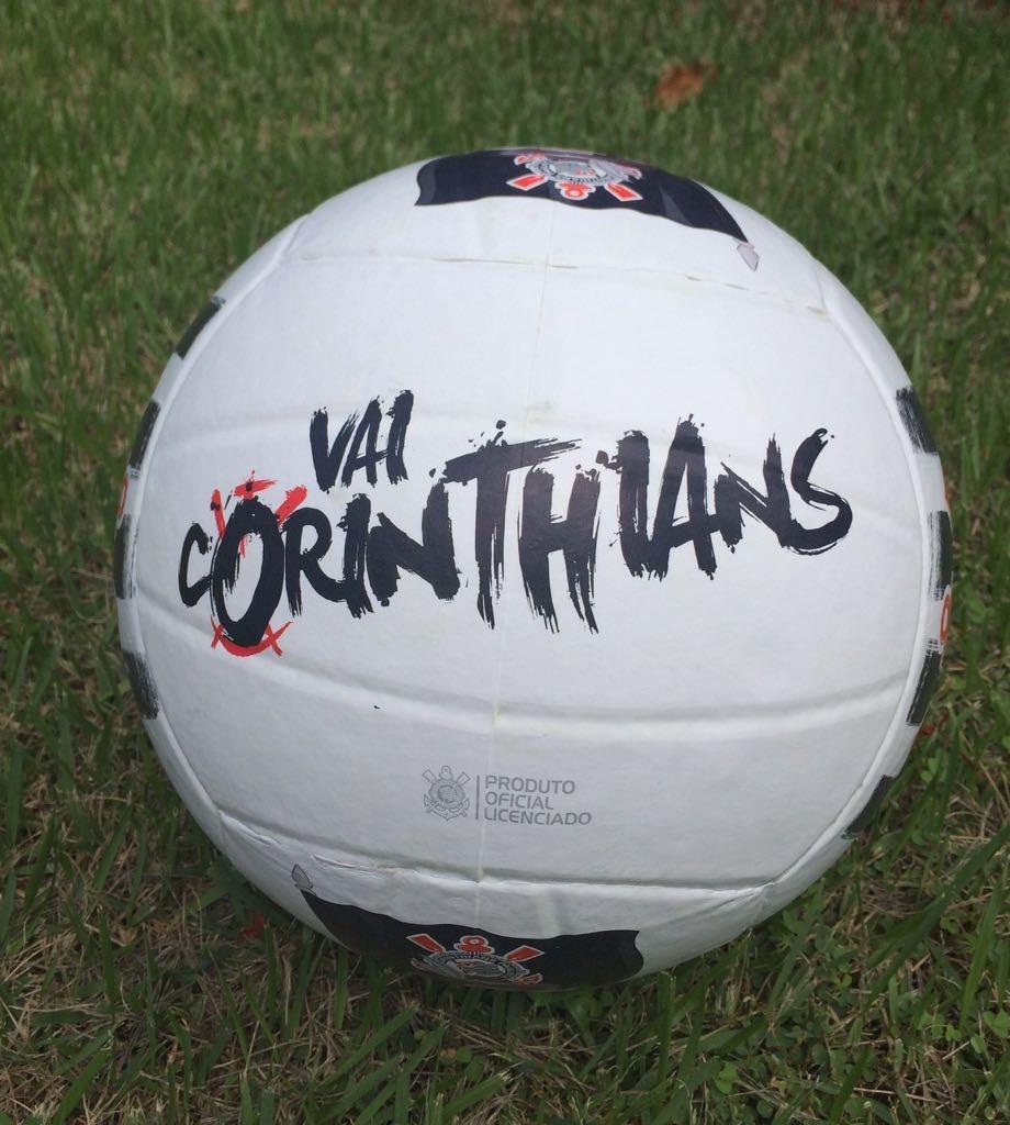 0e53a1b734 bola futebol corinthians timão branca v8. Carregando zoom.