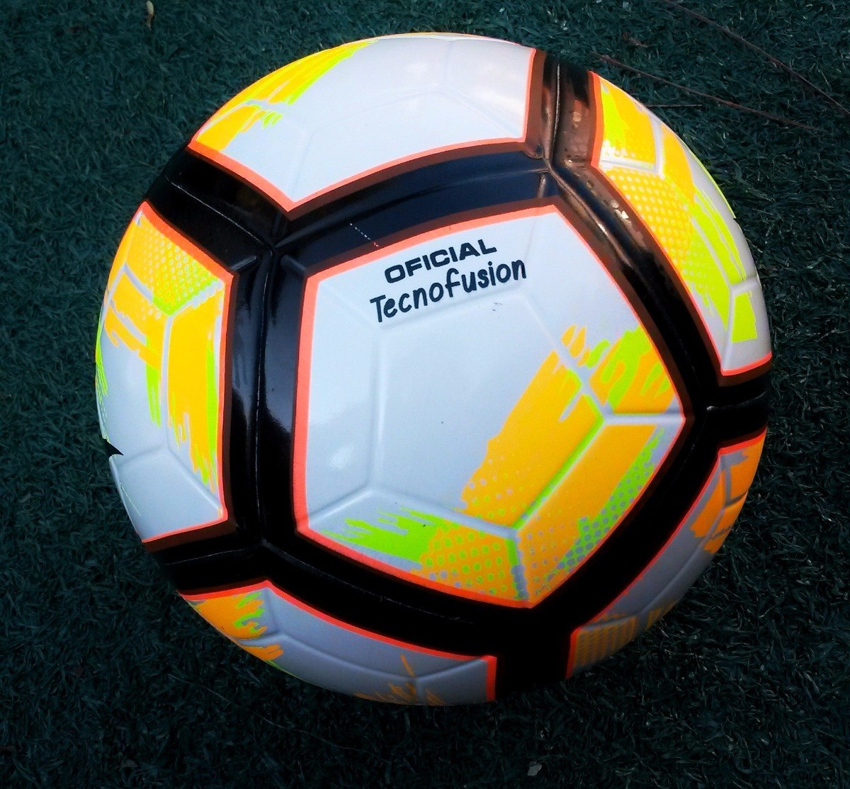d860fb940d Bola Futebol Oficial Campo Kagiva Tecnofusion - R  75