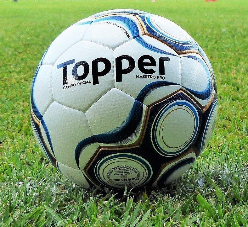 bola futebol campo oficial topper maestro pro - profissional. Carregando  zoom... bola futebol topper 3f6d91e880883