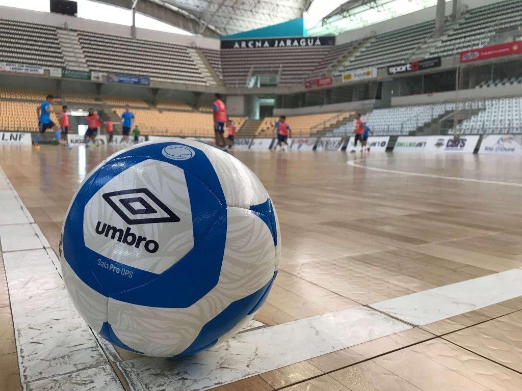 bola futsal umbro sala pro dps (liga nacional de futsal 2018. Carregando  zoom. 2fb9204fb2448
