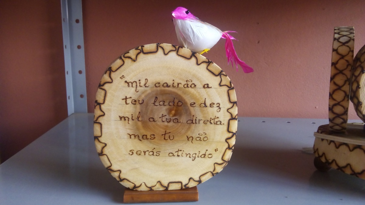 Bolacha Madeira Decorativa Frase Desenho Pirografada Rosa R 6000