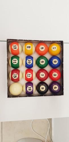 bolas de billar ruedo de pool