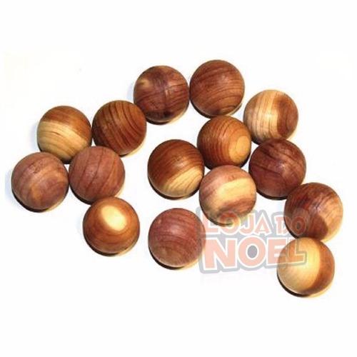 bolas de cedro natural contra mofo, fungos, bolor e traças