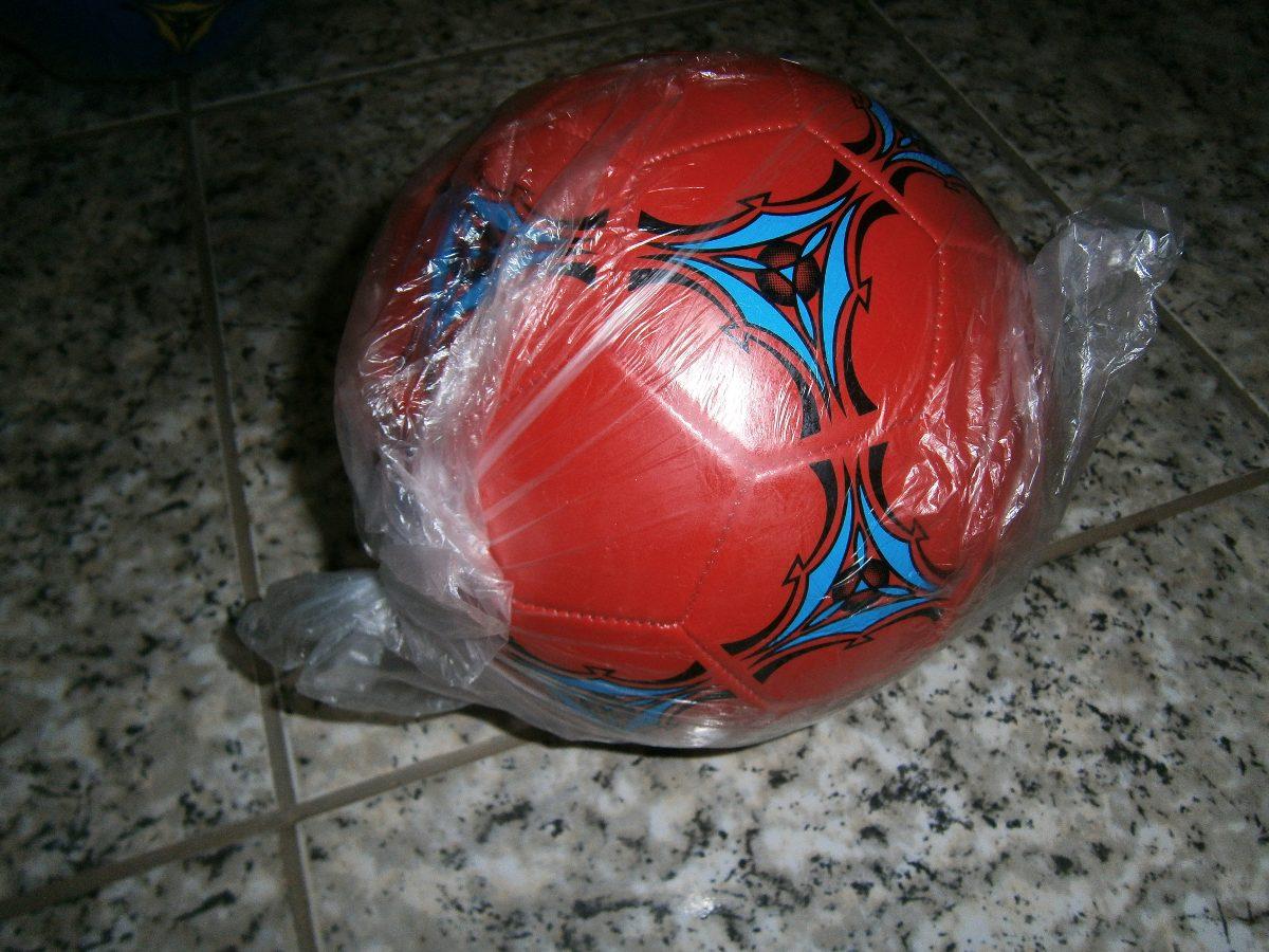 1b9a10f3f59bc Bolas De Futebol De Campo Baratas E Boas - R  16
