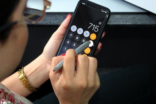 bolígrafos becker con goma para manejar pantallas táctiles.