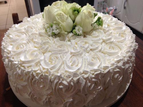 bolo confeitado para festas o kg