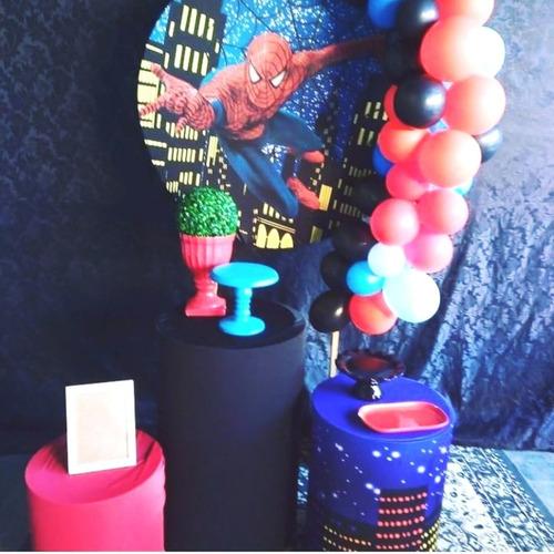 bolo decorados, kit pegue e monte e decoração com balões.