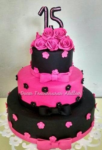 bolo fake pink com preto 15 anos