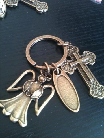 bolo llavero metal angel ondas con cruz gde. bautizo mn4