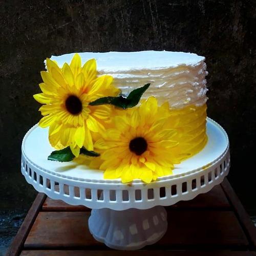 bolos para aniversário, casamento, noivado e bolo vulcão