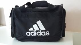 800e6f526 Bolsa Carteiro Adidas Small - Calçados, Roupas e Bolsas Preto no Mercado  Livre Brasil