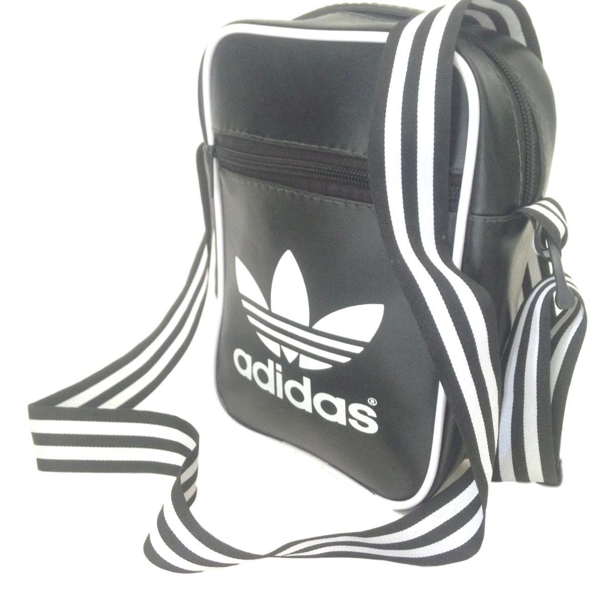 713e377f9 Bolsa adidas Pequena - R$ 55,00 em Mercado Livre
