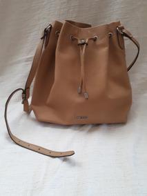 2cb63776d Bucket Bag Arezzo - Bolsa de Couro Sintético Femininas no Mercado ...