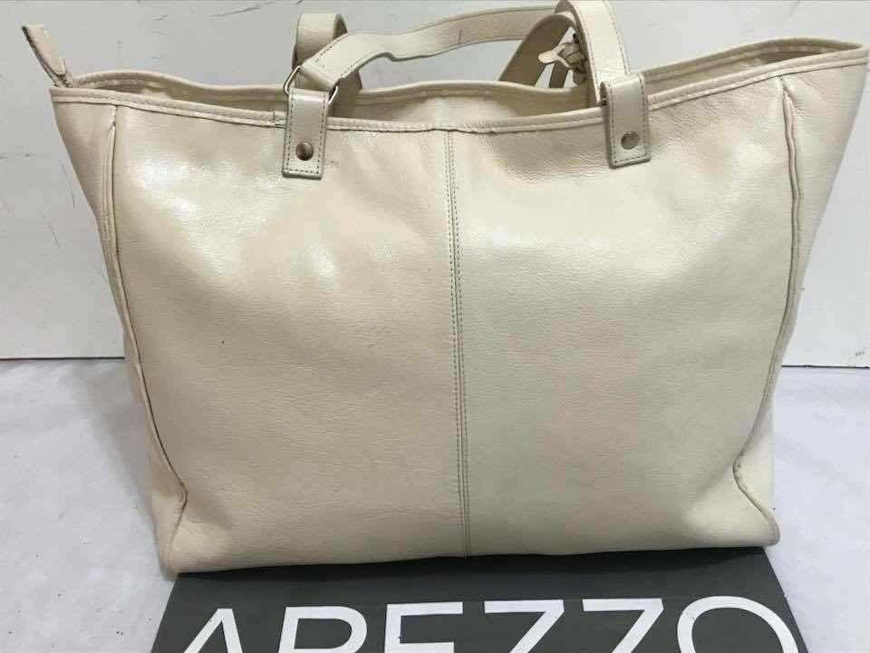 6b7528d14a bolsa arezzo original - tamanho grande de couro legítimo. Carregando zoom.