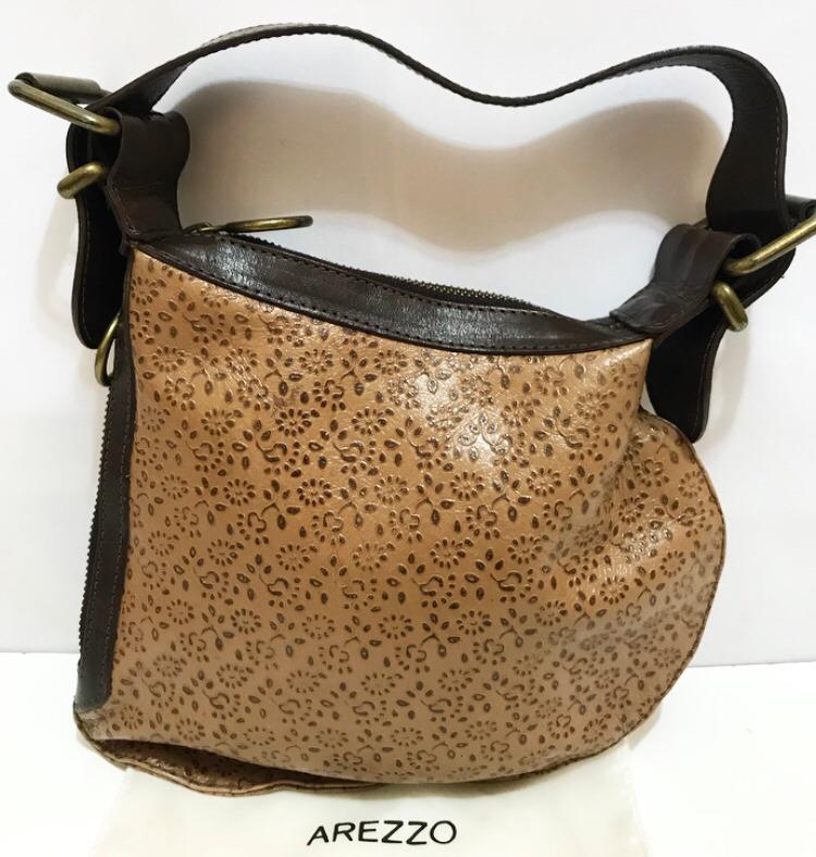 4f1d15d3b3 bolsa arezzo original vintage - couro legítimo pequena! bolsa arezzo couro. Carregando  zoom.