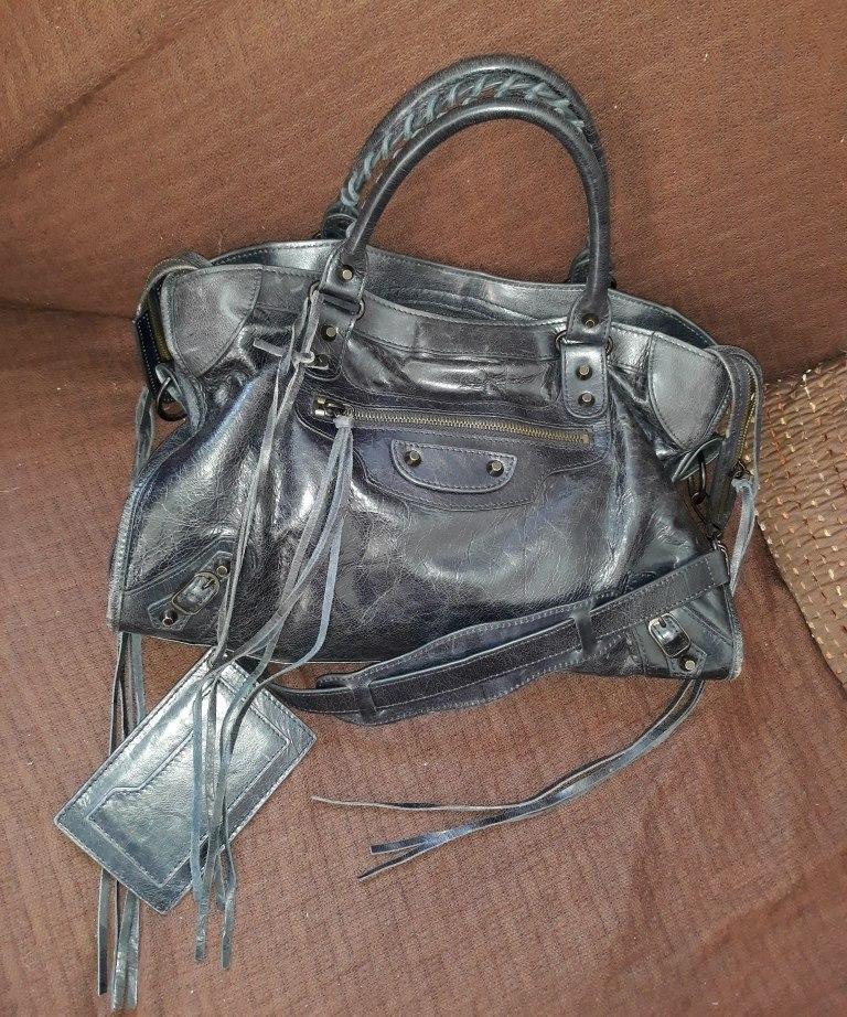 1cf5ea7f824 bolsa balenciaga original azul escuro pra vender hoje! Carregando zoom.