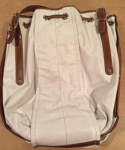 bolsa blanca con cafe de piel crab tree