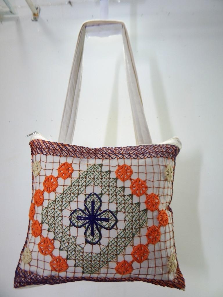 84921b8e1 bolsa bordado renda filé tecido moda praia artesanal 011. Carregando zoom.