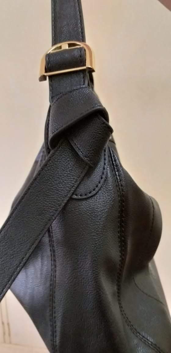 7f293579f bolsa calvin klein preta couro grande original importada. Carregando zoom.