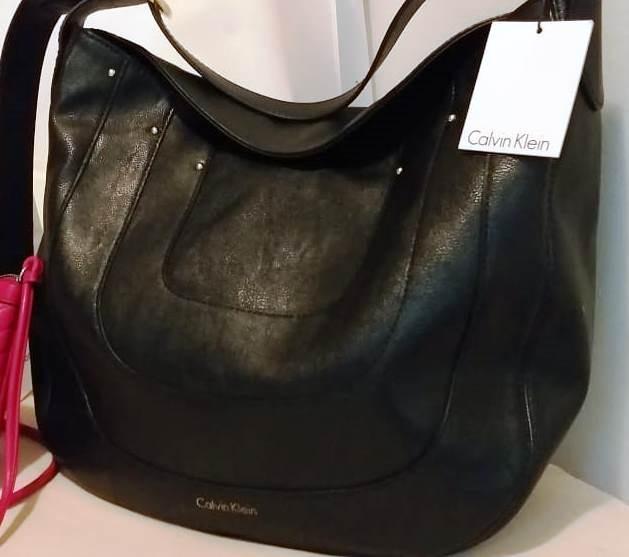 d6b2ef70e Bolsa Calvin Klein Preta Couro Grande Original Importada - R$ 350,00 ...