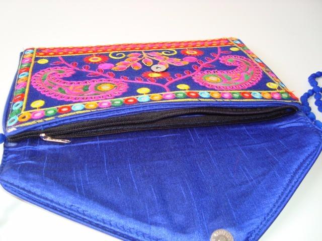 83c9b3e67 Bolsa Carteira Cloud Clutch Alça Tecido Bordada Indiana 3 - R$ 90,00 ...