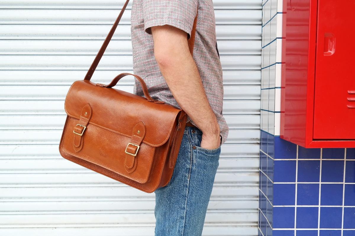 85e80e53c bolsa carteiro pasta satchel couro legítimo bovino grande. Carregando zoom.