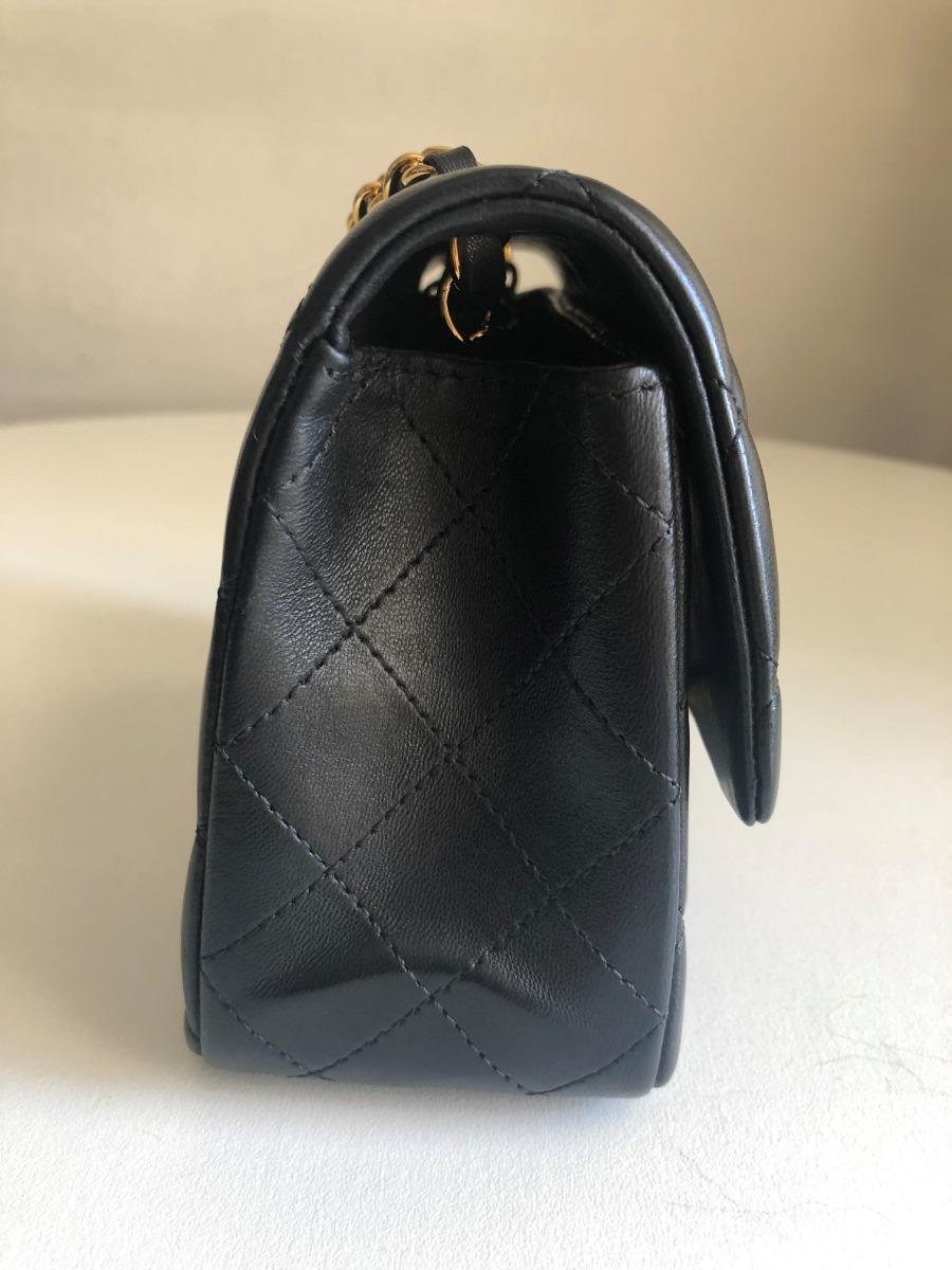 1d1f093b2a bolsa chanel classic mini lambskin preta metal dourado. Carregando zoom.