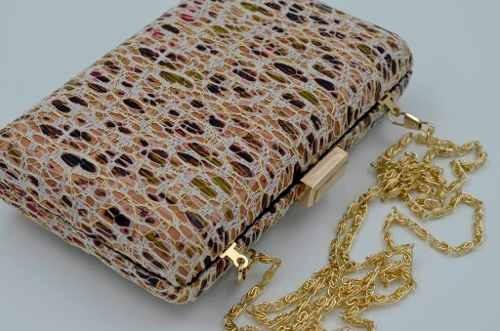 52b2a8823 Bolsa Clutch Marrom Com Textura Carteira Festa (bs405753) - R$ 120 ...