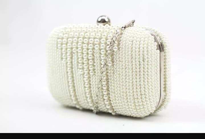6ca95eda5 Bolsa Clutch Pérolas Strass Madrinhas Casamento Branca Rose - R$ 119 ...