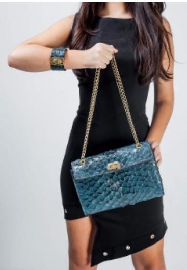 b65590786e bolsa couro de pirarucu legítimo artesanal fem luxo clutch. Carregando zoom.