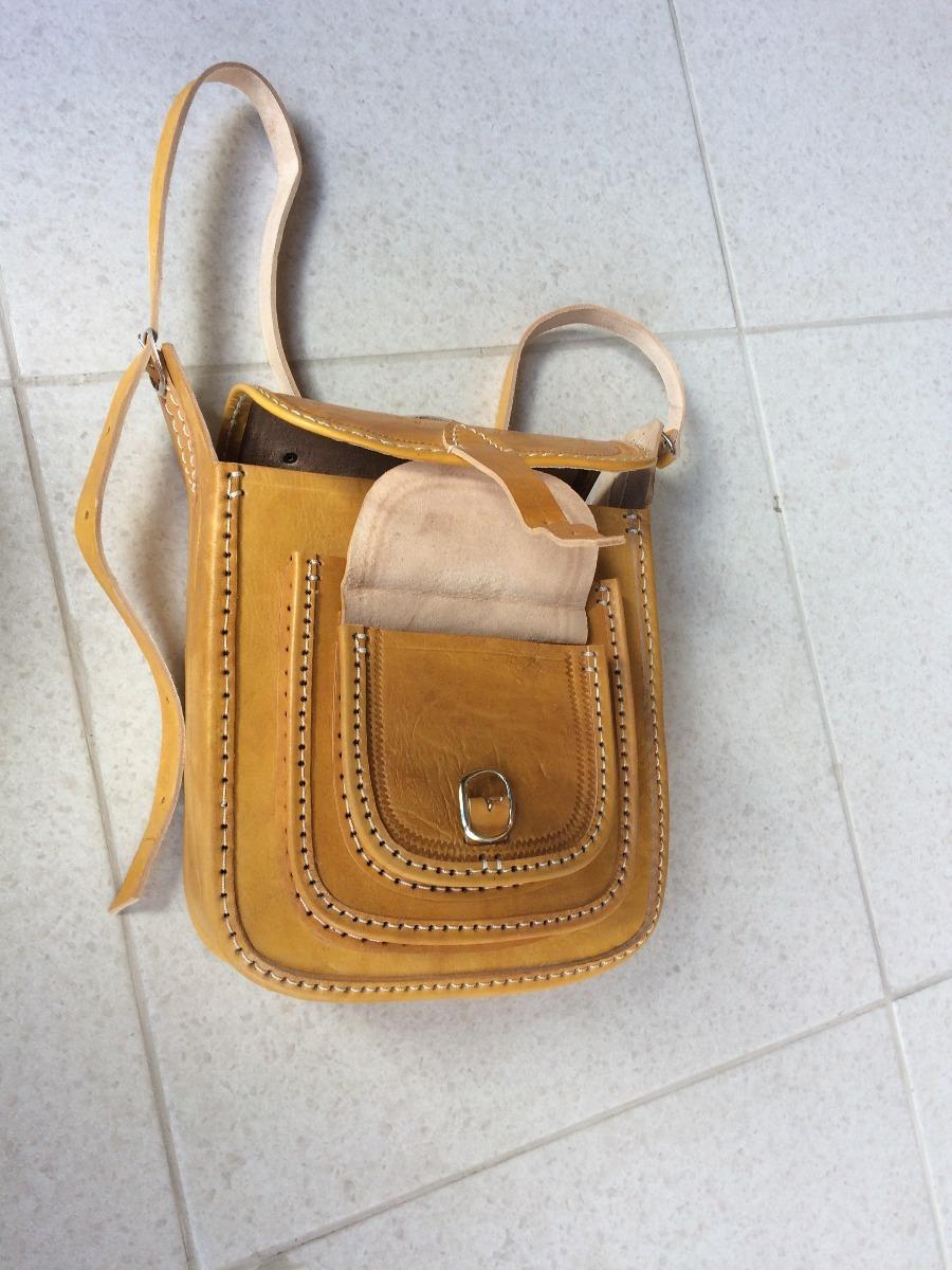 5005381ae Bolsa De Couro Masculina Natural Artesanal G - R$ 170,00 em Mercado ...