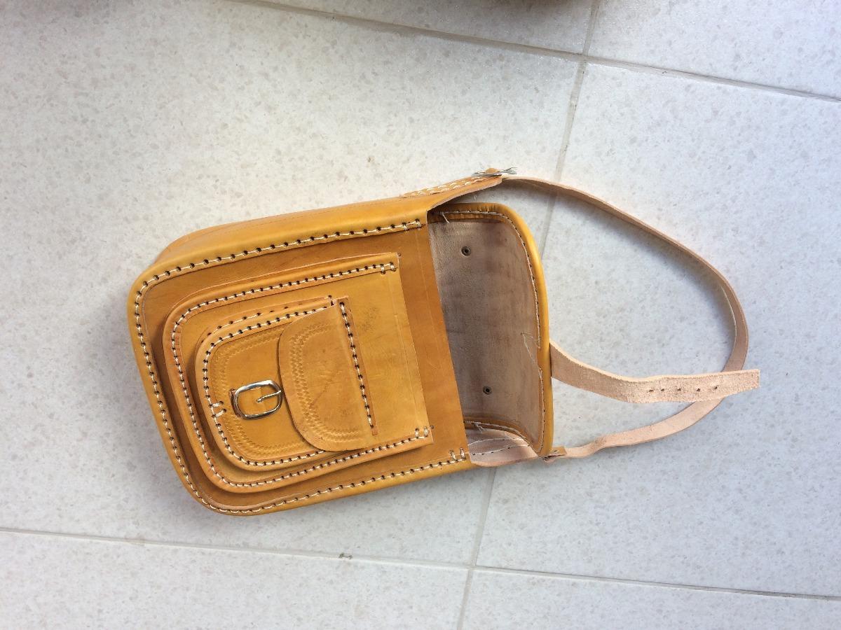 96571f489 Bolsa De Couro Masculina Natural Artesanal M - R$ 150,00 em Mercado ...