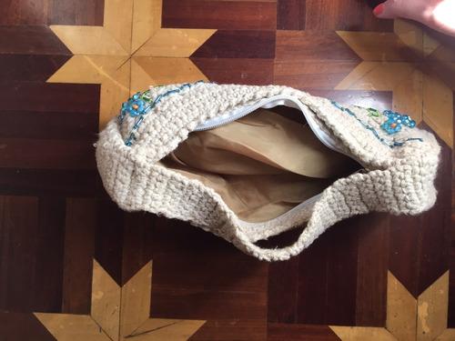 bolsa de crochê e miçangas