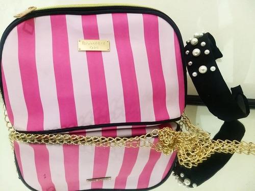 bolsa de mano rosa con correa dorada