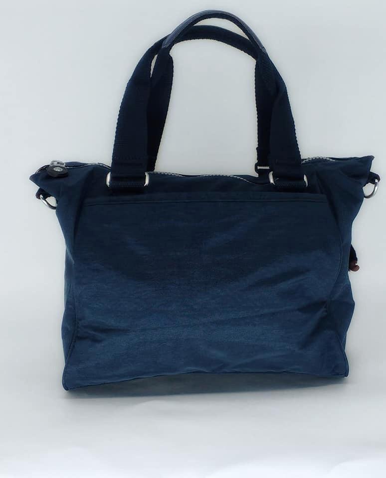 84019ae22 bolsa de mao e transversal azul marinho - kipling amiel. Carregando zoom.