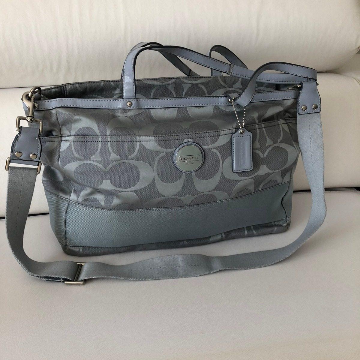 3bf64769780 bolsa de maternidade - marca coach - azul claro - usada. Carregando zoom.